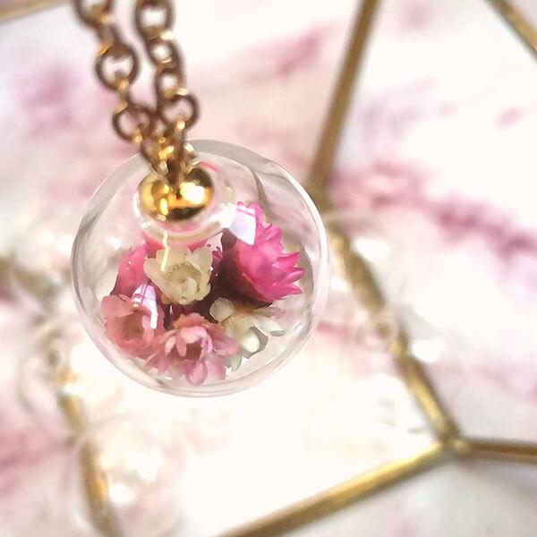 Engelsrufer mit Blüten und Strasssteinen DIY Schmuck von Vintagparts