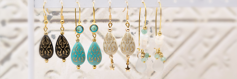 Ohrstecker  goldfarben und Perlen Anhänger filigran-fein verziert
