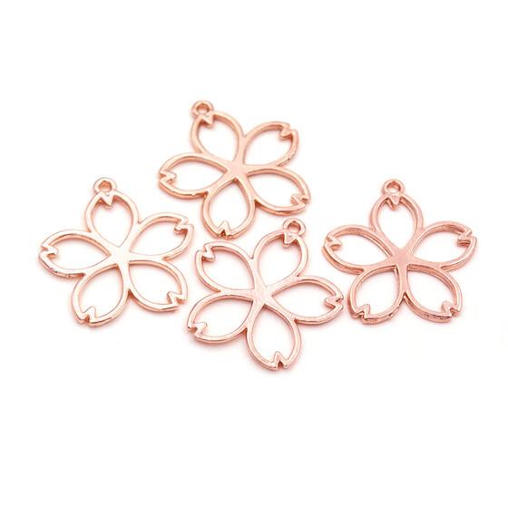 filigrane Anhänger als Kirschblüte in roségoldfarben 4 Stück