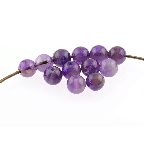 grau 6 mm. 6 Amethystperlen in lila